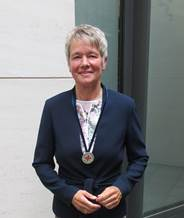 Graf mit Agnes-Karll-Medaille des DBfK Juni 18,2018
